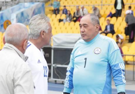 """Не """"Найману"""" давать оценку выступлению наших футболистов - Куралбек Ордабаев"""