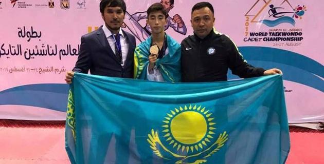 Бахытжан Абилхасан впервые в истории Казахстана стал чемпионом мира по таеквондо среди кадетов