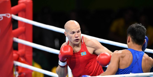 Василий Левит победил соперника с окровавленным лицом и вышел в 1/4 финала чемпионата мира