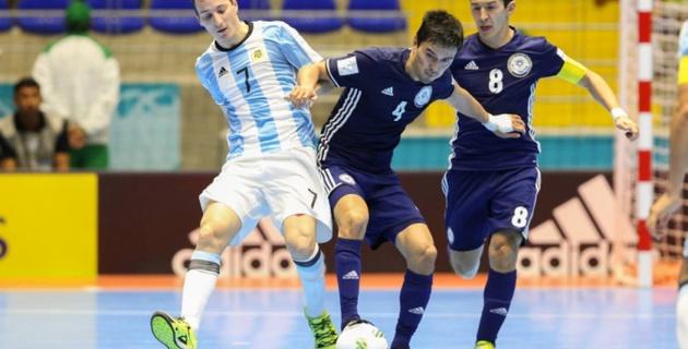 Сборная Казахстана по футзалу сыграла вничью с чемпионами мира