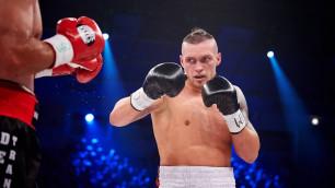 Александр Усик нокаутировал Марко Хука и вышел в полуфинал Всемирной суперсерии бокса