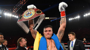Видео досрочной победы Александра Усика над Марко Хуком в бою Всемирной суперсерии бокса
