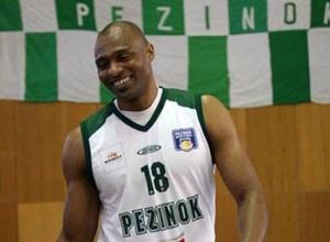Бывший баскетболист российского клуба умер в возрасте 45 лет от сердечного приступа