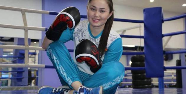 19-летняя девушка-боксер из Казахстана дебютировала с победы нокаутом на профи-ринге в США