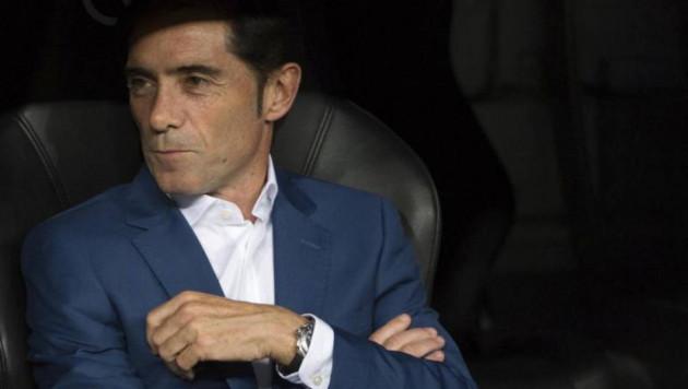 """Главный тренер """"Валенсии"""" получил травму при праздновании гола"""