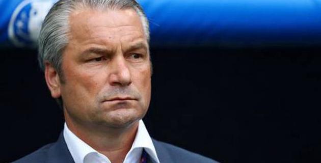 Бернд Шторк покинул пост главного тренера сборной Венгрии по футболу