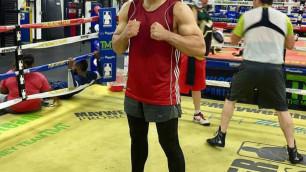 Выигравший два боя досрочно среди профи боксер проиграл в первом поединке на чемпионате Казахстана