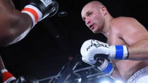 Тренер Дычко назвал дату следующего боя и объяснил паузу в карьере казахстанского боксера