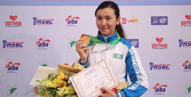 Свою золотую медаль посвятила отцу на день рождения - чемпионка Азии по боксу