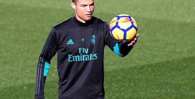 """Игроки """"Реала"""" погоняли Роналду на тренировке, а тот раскапризничался и чуть не психанул"""