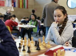 17-летняя казахстанка Жансая Абдумалик стала чемпионкой мира по шахматам до 20 лет