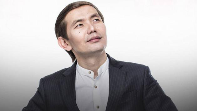 Казахстанский певец с победы дебютировал в профи-боксе