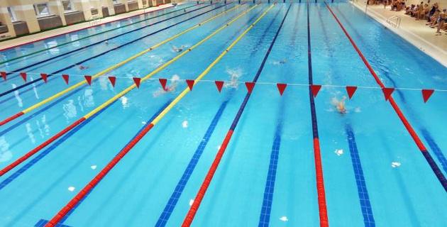Тренер сборной Казахстана по плаванию скончался после церемонии награждения на турнире в Казани