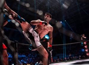 Казахстанец Арман Оспанов потерпел второе поражение подряд на турнире ACB в Москве