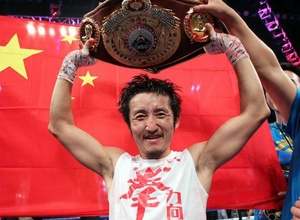 Двукратный олимпийский чемпион китаец Цзоу Шимин ослеп на один глаз
