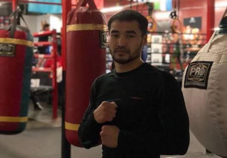 Нокаутировавший спарринг-партнера Кроуфорда боксер стал соперником чемпиона Казахстана по дебютному бою на профи-ринге
