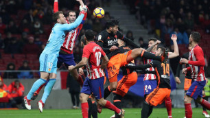 """Капитану """"Атлетико"""" потребовалась операция из-за потери зубов после столкновения с вратарем """"Валенсии"""""""