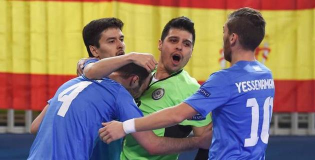Сборная Казахстана в серии пенальти проиграла Испании и не смогла выйти в финал Евро-2018 по футзалу