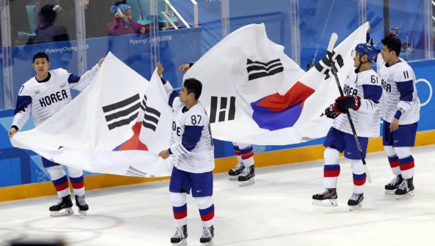 Хоккеисты и тренер сборной Южной Кореи расплакались после вылета с домашней Олимпиады