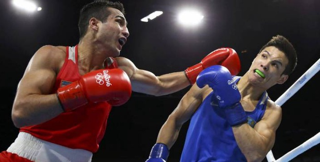 """Елеусинов решил взять стиль """"раннего Мейвезера"""" и рассказал о количестве боев на профи-ринге в 2018 году"""