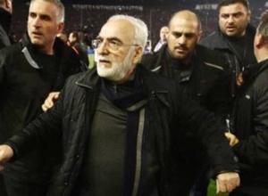 Греческая полиция выдала ордер на арест выбежавшего на поле с пистолетом владельца клуба