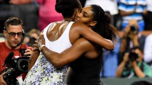 Винус Уильямс обыграла сестру Серену в матче третьего круга турнира в США