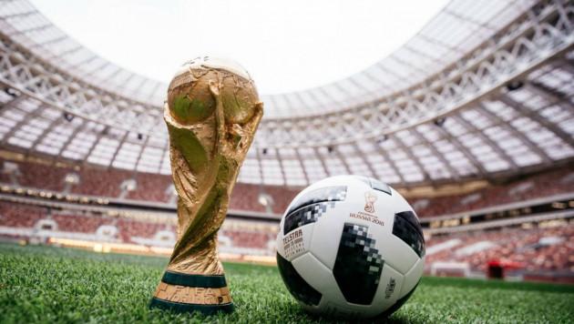 Мяч чемпионата мира по футболу свозят на Международную космическую станцию
