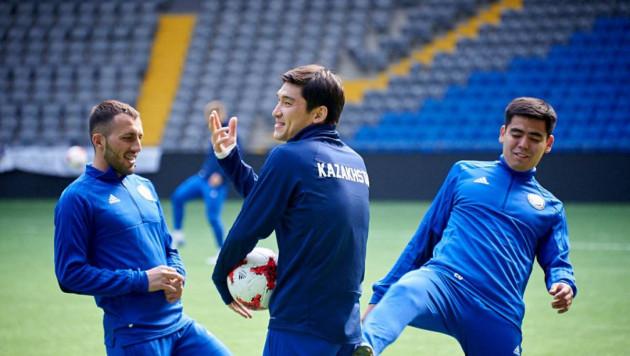 Прямая трансляция дебютного матча Стойлова во главе сборной Казахстана по футболу