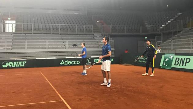 Сборная Казахстана по теннису провела первую тренировку в Хорватии перед матчем Кубка Дэвиса