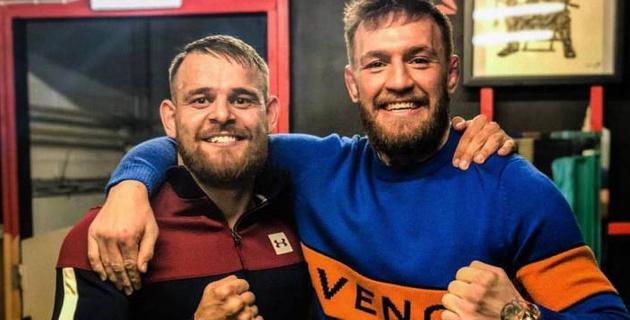 МакГрегор в составе команды с казахстанским двойником пытался устроить погром на арене UFC 223