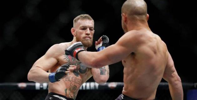 Три боя UFC-223 отменены после нападения МакГрегора на автобус с участниками турнира