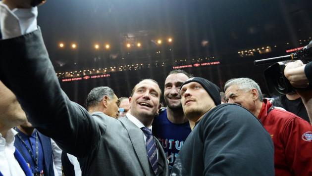 Украинский боксер Усик отказался драться с Гассиевым в России