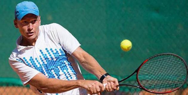 Казахстанский теннисист Евсеев одержал двойную победу на турнире серии Futures в Шымкенте