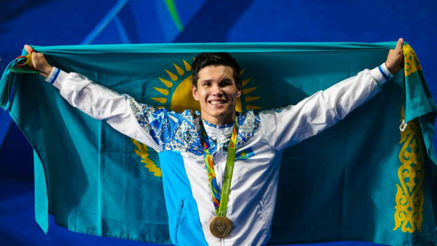 Данияр Елеусинов провел открытую тренировку перед дебютным боем в профи