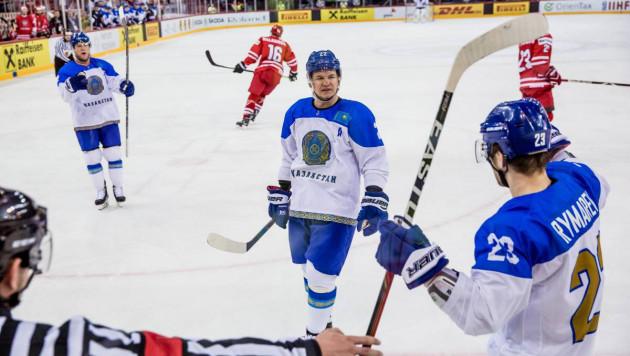 Нападающий сборной Казахстана Роман Старченко стал лучшим бомбардиром и снайпером ЧМ по хоккею