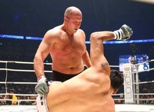 Федор Емельяненко за 48 секунд нокаутировал экс-чемпиона UFC