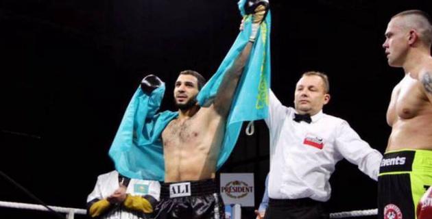 Определился соперник казахстанского тяжеловеса за пояс по линии WBC