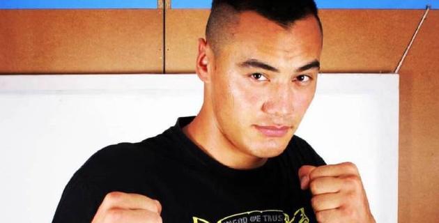 Узбекский боксер-тяжеловес отказался драться с нокаутером из Казахстана
