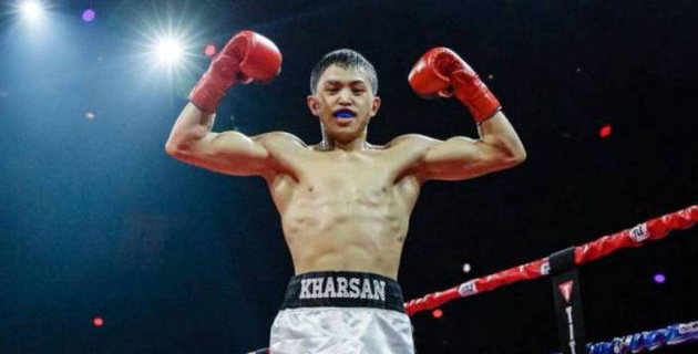 """""""Удар в челюсть и соперник в ауте"""". Как 21-летний казахстанец отправил в нокдаун соперника из США"""