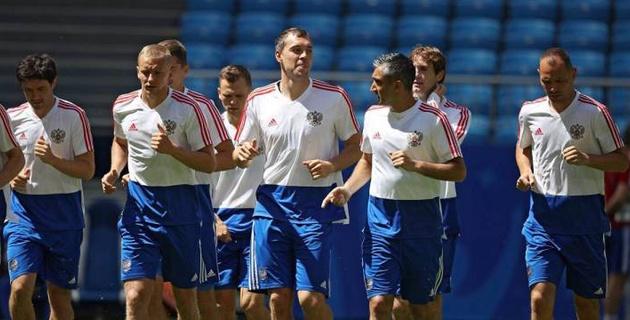 Валуев пригрозил футболистам сборной России перед игрой с Уругваем