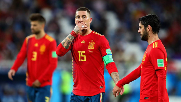 Сборная Испании никогда не обыгрывала команду-хозяйку ЧМ или Евро