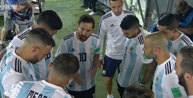 Автор победного гола аргентинцев поведал о послании Месси партнерам в перерыве матча ЧМ-2018