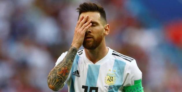 Месси в одиночку покинул базу сборной Аргентины в Бронницах