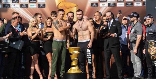 Гассиев и Усик показали одинаковый вес и провели последнюю дуэль взглядов перед финалом WBSS