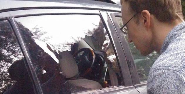 В Алматы возле места убийства Дениса Тена напали на еще одну машину