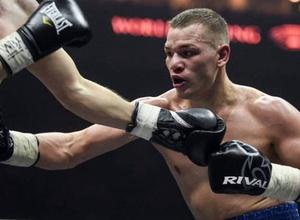 Российского боксера из зала тренера Головкина освистали после победы решением судей