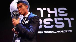 Месси, Роналду, Мбаппе и еще семь игроков претендуют на приз лучшему футболисту года по версии ФИФА