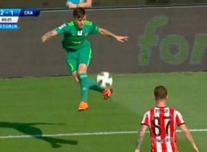 Иранский футболист возомнил себя Неймаром и эффектным финтом принял мяч