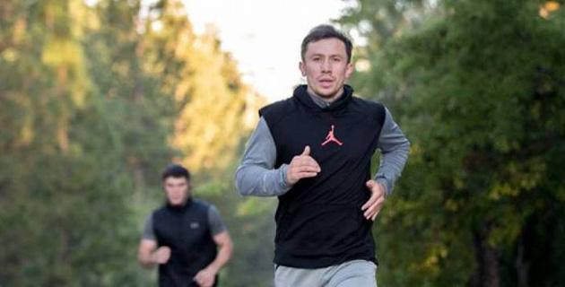 """Экс-соперник """"Канело"""" прибыл в лагерь Головкина"""