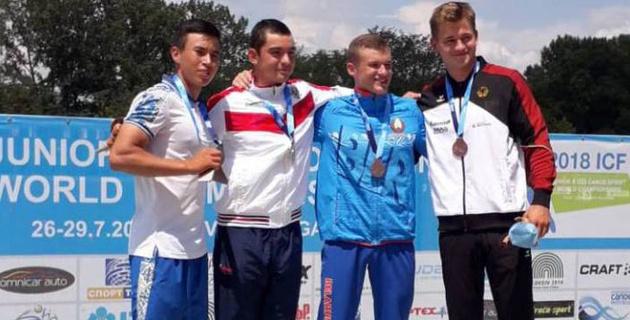 """Два казахстанских каноиста выиграли """"серебро"""" чемпионата мира в Болгарии"""
